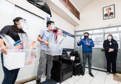 ¡Viva la solidaridad! Emprendedores ariqueños donan protectores faciales a personal de la Salud Municipal